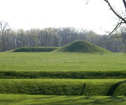 wall-mound-city